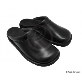 Leather clogs black T.44