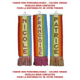 FANION PRENOM A FRANGES + VENTOUSE 5 x 22 cm